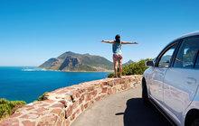I na letecké dovolené se často vyplatí prozkoumávat destinaci na vlastní pěst. Ideálním řešením je pronájem vozu nebo motorky. Autoklub ÚAMK radí, na co si dát pozor.