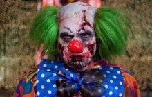 V masce hororového klauna vyděsili děti na hřišti u jedné z jihlavských škol.