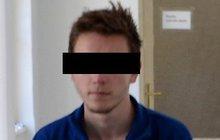 Soudce v Opavě se nepáral s Martinem (18), obviněným z vraždy adoptovaného brášky (†8) a poslal jej do vazby.