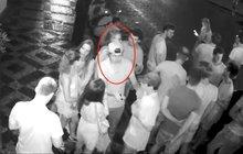Rvačka před barem: Mladík skončil pobodaný!
