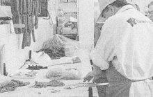 Svou bezbrannou manželku (†46) v listopadu 1986 zmasakroval ve společném bytě v Holubicích na Vyškovsku rozběsněný řezník (54). Několikrát na ni z blízkosti vystřelil z jateční pistole. Nešťastnice zemřela ve strašlivých mukách.