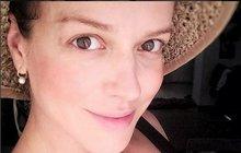 Dočkala se! Několik dní po plánovaném termínu Andrea Kerestešová (33) porodila svému muži Mikoláši Růžičkovi (38) chlapečka.