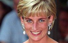 Na tragický den, kdy navždy odešla princezna lidských srdcí Diana (+36) zřejmě svět jen tak nezapomene. Přestože 31. srpna uplyne od neštěstí už 20 let, i po tak dlouhé době se pořád vynořují nová fakta a různé spekulace. A to nejen o jednom znejsmutnějších dnů historie, ale hlavně o tom, kdo stojí za smrtí princezny. Mnozí totiž dosud nevěří, že Diana vjednom zpařížských tunelů vnáručí svého milence Dodi Al-Fayeda (†42) zahynula náhodou. Opravdu se jednalo o atentát a zemřela na pokyn prince Philipa (96)? A proč usedla za volant sopilým řidičem?