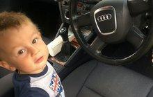 Když její chlapeček celých 18 měsíců v autě vyváděl, plakal, až řval, usoudila jeho matka Nichola Griffifths (42), že trpí chronickou fóbií z jízdy autem a začala uvažovat o tom, jaký jiný druh přepravy bude muset pro Maxe (2) zvolit.