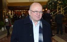 Velvyslanec, který nedával rozhovory, ale díky jeho někdejší kariéře se mu prý v Moskvě dařilo.