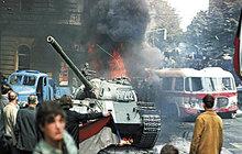 Lidé si včera připomněli 49 let od invaze vojsk Varšavské smlouvy. Tradičně se nejvíce vzpomínalo před budovou Českého rozhlasu v Praze, kde 21. srpna 1968 probíhaly tvrdé boje.
