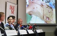 Lékaři IKEM provedli unikátní transplantaci: Srdce a játra  od jednoho dárce!
