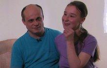 Láska se neptá. Mladá maminka Iva (17) z Výměny manželek se do svého manžela Mariana (45) zamilovala na první pohled už ve 14 letech. Dceru, kterou zanedlouho poté čekala, si nenechala vzít ani přes nátlak rodiny.