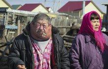 V pozdním odpoledni 29. září 1957 se v Čeljabinské oblasti na jižním Uralu rozzářilo nebe do modrofialových barev přecházejících do růžové až červené. Úchvatnou podívanou noviny popsaly o několik dní později jako vzácnou polární záři bez dalšího odůvodnění. O pár dní později odsud bylo evakuováno 11 tisíc obyvatel, do dvaceti vesnic se už nikdy nevrátil život. Lidé stále nic konkrétního nevěděli, až do rozpadu sovětského impéria v roce 1989, kdy se o události v plném rozsahu dozvěděl svět. Jaderná havárie Kyštym je dnes označována jako třetí největší katastrofa tohoto druhu v historii (po Černobylu aFukušimě). Tragédie se odehrála právě před 60lety akromě Rusů ji utajila i americká CIA!