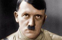 Brýle, pouzdro na cigarety, lampa, zlaté hodinky, telefon... Nepočítaně předmětů, které zbyly po Adolfu Hitlerovi (†56), už se vydražilo. Takovýto kousek však ještě do aukce nešel. V Marylandu se licitovalo o jeho trenýrky!