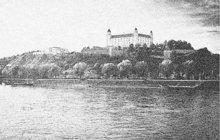 Šokující událost se odehrála 9. září 1937 v bratislavském poříčním přístavu. Sebevraždu skokem do proudu Dunaje tam spáchal Jan H., předčasně penzionovaný respicient československé finanční stráže (†41).
