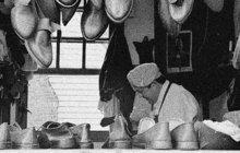 Na strážnici v pražské Jindřišské ulici v Praze se v noci na 31. března 1927 objevil viditelně rozrušený mladý muž. Službě plačky ohlásil, že se jde udat, protože dva dny předtím spáchal v Březnici u Příbrami hroznou vraždu.