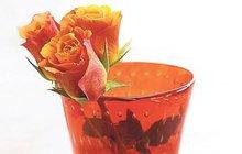 Chcete si vyrobit vlastní parfém nebo se ponořit do voňavé koupele? Marcela Košanová vám poradí, jak na to!