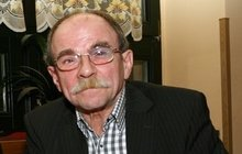 Jaroslav Uhlíř: Lepí se na mě zlatokopky!