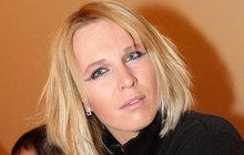 Modelka Dina Kobzanová (35) přišla o nejlepší kamarádku! Zemřela její milovaná fenka bulteriéra Mia.