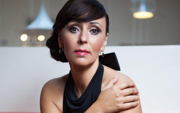 Učinila zásadní krok! Heidi Janků (54) zahání smutek po milovaném manželoviIvu Pavlíkovi (†84) prací. Rozhodnutí pro ni bylo o to těžší, že se vrací do televize, kde už jí jednou ukázali dveře.