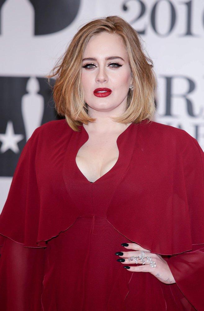 Adele si s teroristy nebrala servítky.
