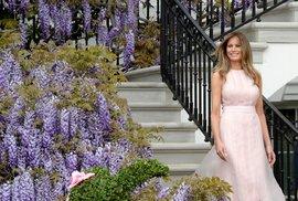 Co o Melanii Trump říká její Twitter: Uvězněná královna ve zlaté kleci?