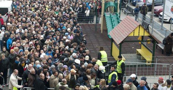 Získat poukázku na 2000 korun mohlo jen prvních 500 lidí