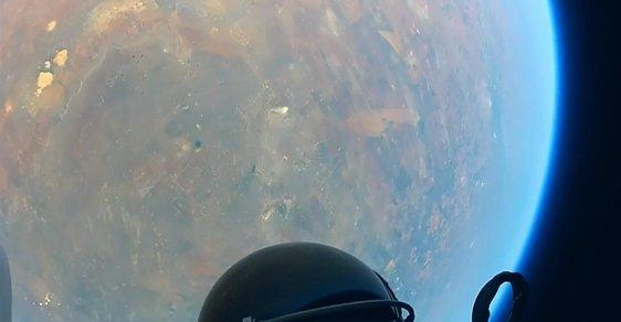 Stratosférický skok z pohledu Felixe Baumgartnera