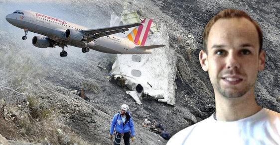 Otec pilota, který ve francouzských Alpách zabil 150 lidí, rozzuřil v den výročí pozůstalé