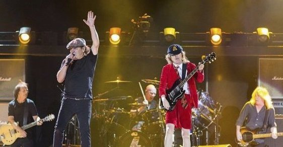 AC/DC neztrácejí energii ani na prahu důchodového věku.