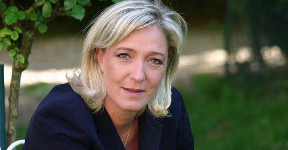 Zveličování migrace. Cenu Lhářka roku bere Marine Le Penová