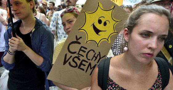 Demonstrace na podporu uprchlíků na Václavském náměstí (červenec 2015)
