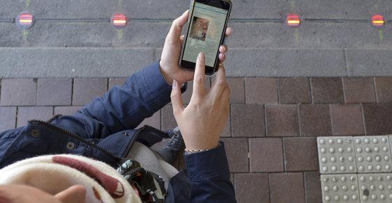 Semafory v chodníku budou v Německu chránit nepozorné mobilové závisláky