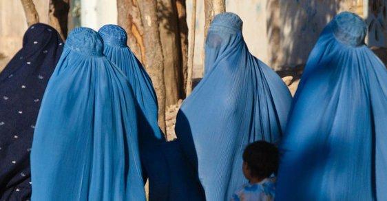 Burky prosazují fundamentalisté v Afghánistánu.