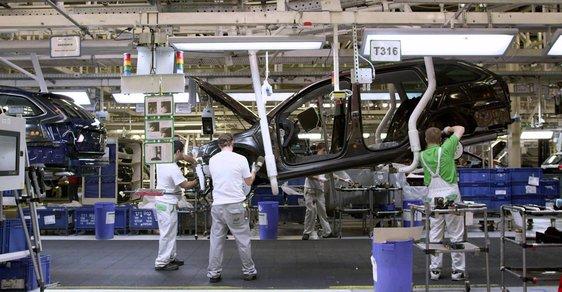 Tržby tuzemských firem v automobilovém průmyslu loni překonaly hranici bilionu korun.