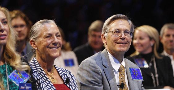 Rodina Jima a Alice Waltonových je americkou nejbohatší rodinou. Magazín Forbes jejich čisté jmění odhadl na 130 miliard dolarů.