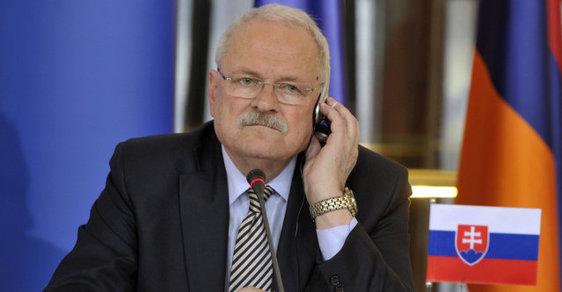 Bývalý slovenský prezident Ivan Gašparovič se podle listu Nový čas téměř dva roky potýká s rakovinou tlustého střeva.