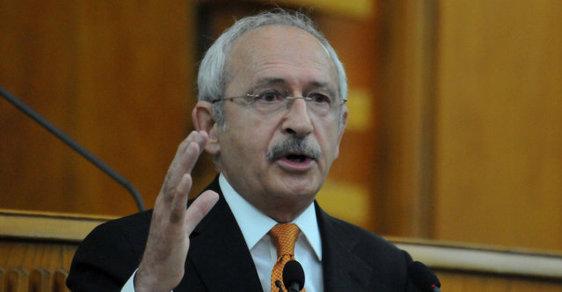 """Předseda Lidové republikánské strany (CHP) Kemal Kiliçdaroglu letos v lednu nazval Erdogana """"nepovedeným diktátorem""""."""