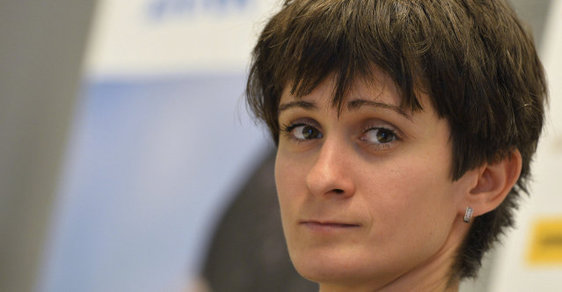 Martina Sáblíková by měla zůstat doma. Cestou do Ria se spíš sama shazuje