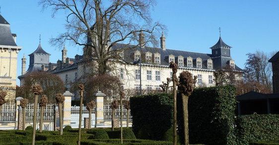 Muž, který se představil jako žadatel o azyl, pobodal v neděli odpoledne ve východní Belgii katolického kněze. (ilustrační foto)