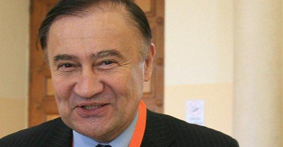 Vladimír Dryml: ČSSD se pro svůj klid nechá vláčet Agrofertem