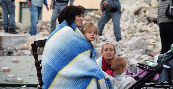 Itálii postihlo silné zemětřesení, zahynulo nejméně 37 lidí