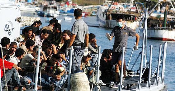 Do Česka minulý týden přijela skupina osmi uprchlíků, které země musí přijmout z Řecka či Itálie na základě přerozdělovacích kvót schválených EU. (ilustrační foto)
