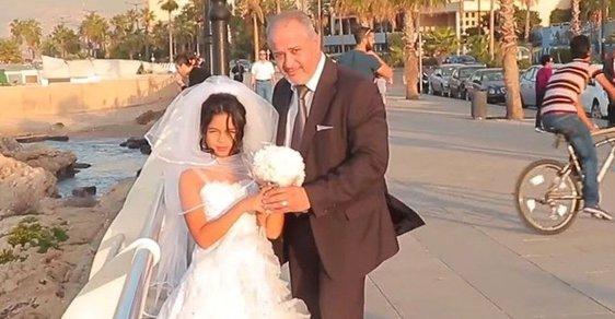 Problematikou dětských nevěst se zabývá charita KAFA.