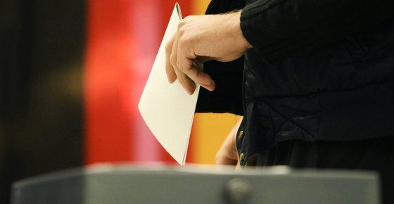 Dnes se rozhoduje o budoucnosti Německa. Pět důvodů, proč sledovat volby u našich sousedů