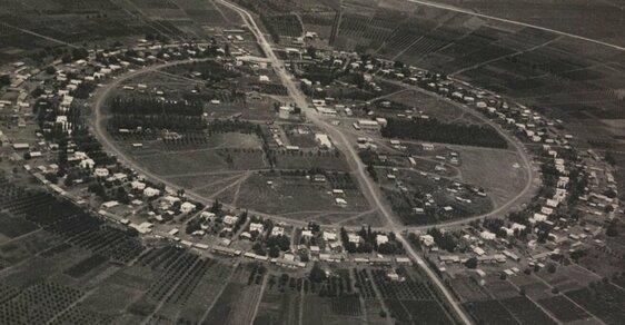Neuvěřitelné letecké snímky Izraele, když to ještě nebyl Izrael. 80 let staré fotky našla náhodou knihovnice v archivu
