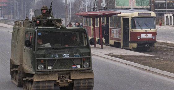 Ulice Sarajeva během jugoslávského konfliktu.