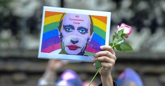 """Proti """"putinovým"""" táborům protestovali gayové v Londýně - ilustrační snímek."""