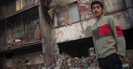 Děti košického Luníku IX, největšího romského ghetta Evropy