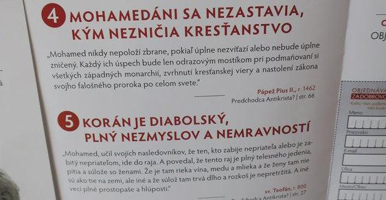 Leták v slovenském kostele v obci Bešeňová, který propaguje knihu, jež tvrdě útočí na islám.