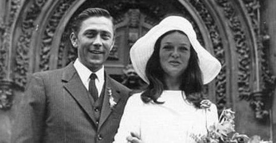 Archivní fotografie ze svateb velkých českých, ale i zahraničních osobností na vás dýchnou nostalgií