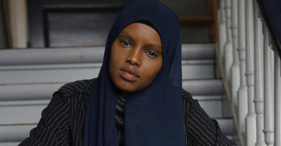 Dánská agentura najala přes všechny výhrady muslimskou modelku, která pózuje v hidžábu