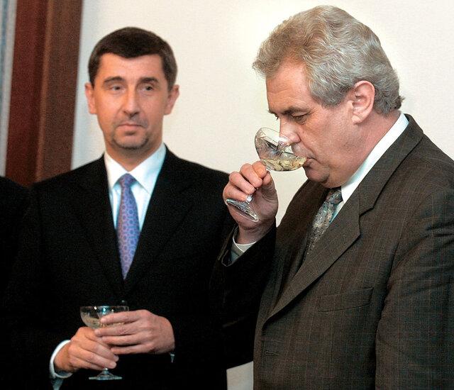 Babiš a Zeman vdobě privatizace unipetrolu. Věděl už tehdy první znich, že koupí, ale nic nezaplatí?