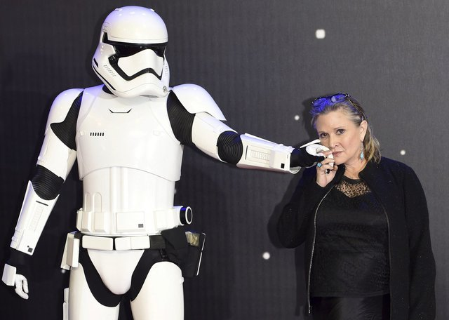 Carrie Fisher se Stormtrooperem.